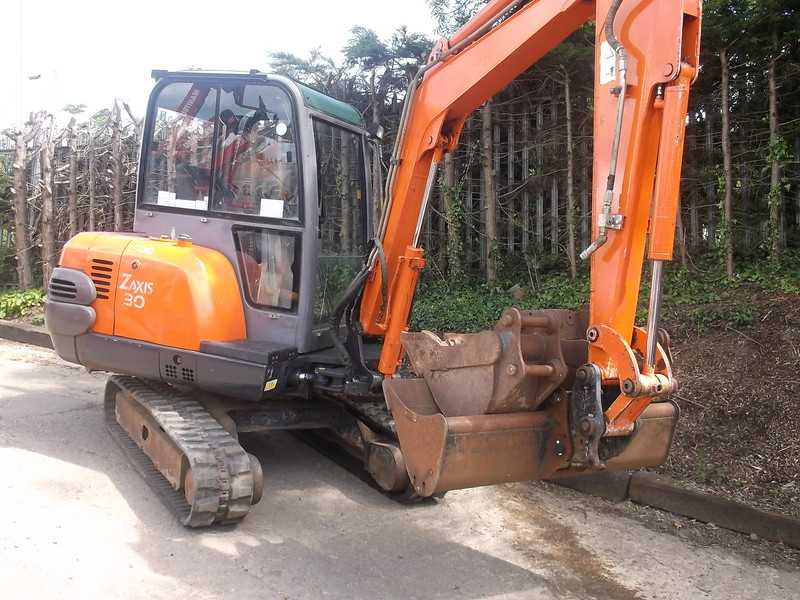 mini pelle hitachi zaxis 30