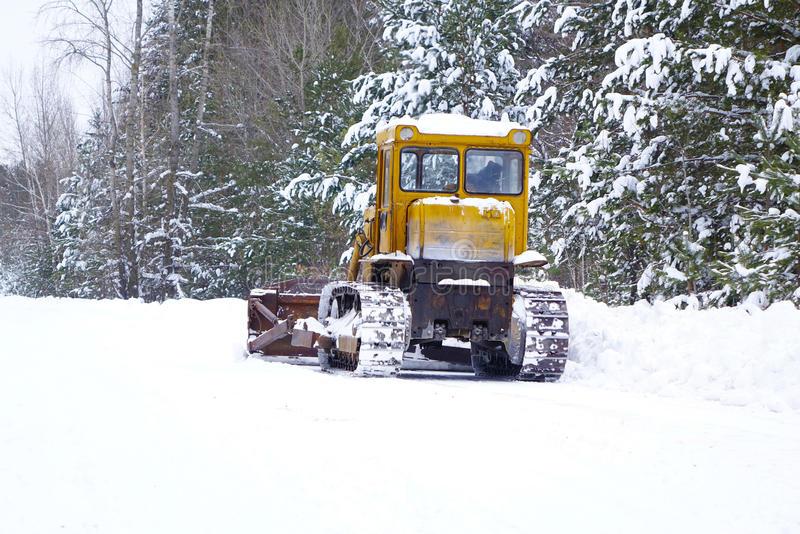 niveleuse a neige a vendre
