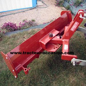 niveleuse pour tracteur agricole