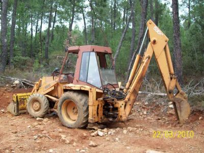 tractopelle 4×4